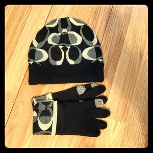 coach black grey gloves and hat